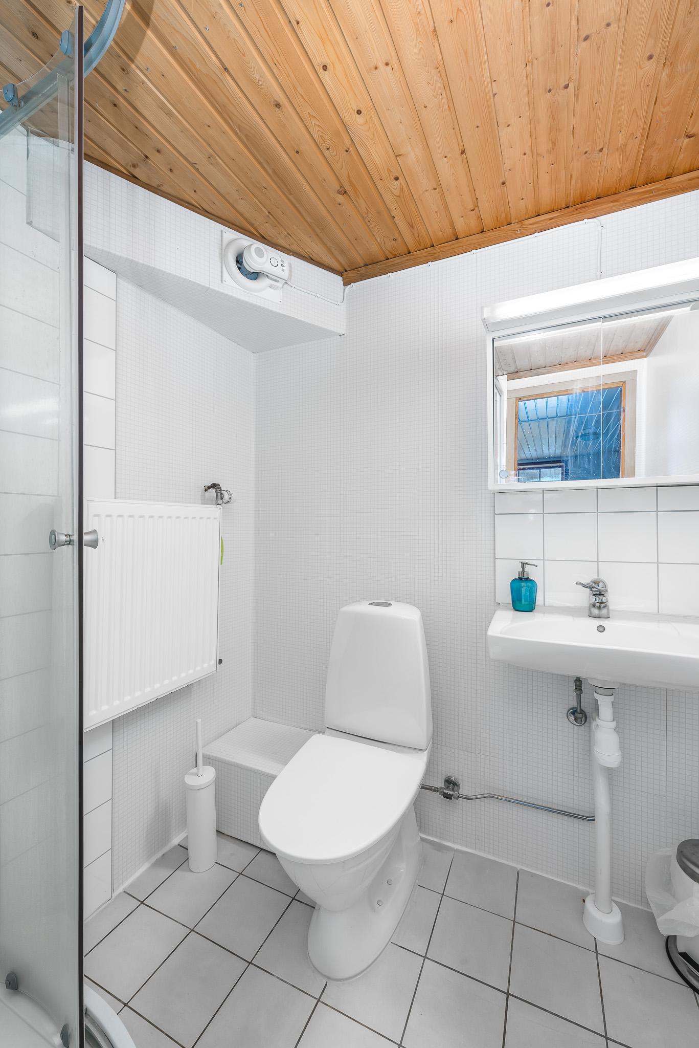 Fräscha badrum på båda våningar